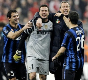 Chivu, Deki & staff member with Julio Cesar